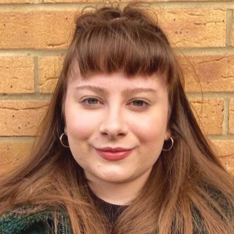 Laura Holliday head shot